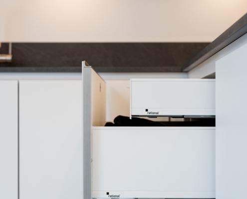 rational keuken la in strakke witte keuken
